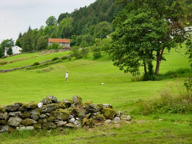 Playing golf at Selje